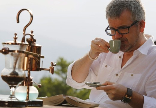 Drinking Coffee can Protect Eyesight?